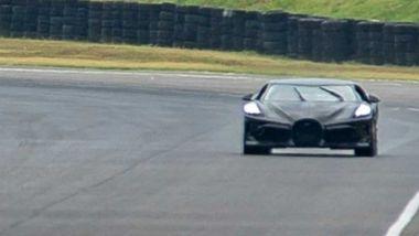 Bugatti La Voiture Noire: ultimi giri di pista per terminare i collaudi