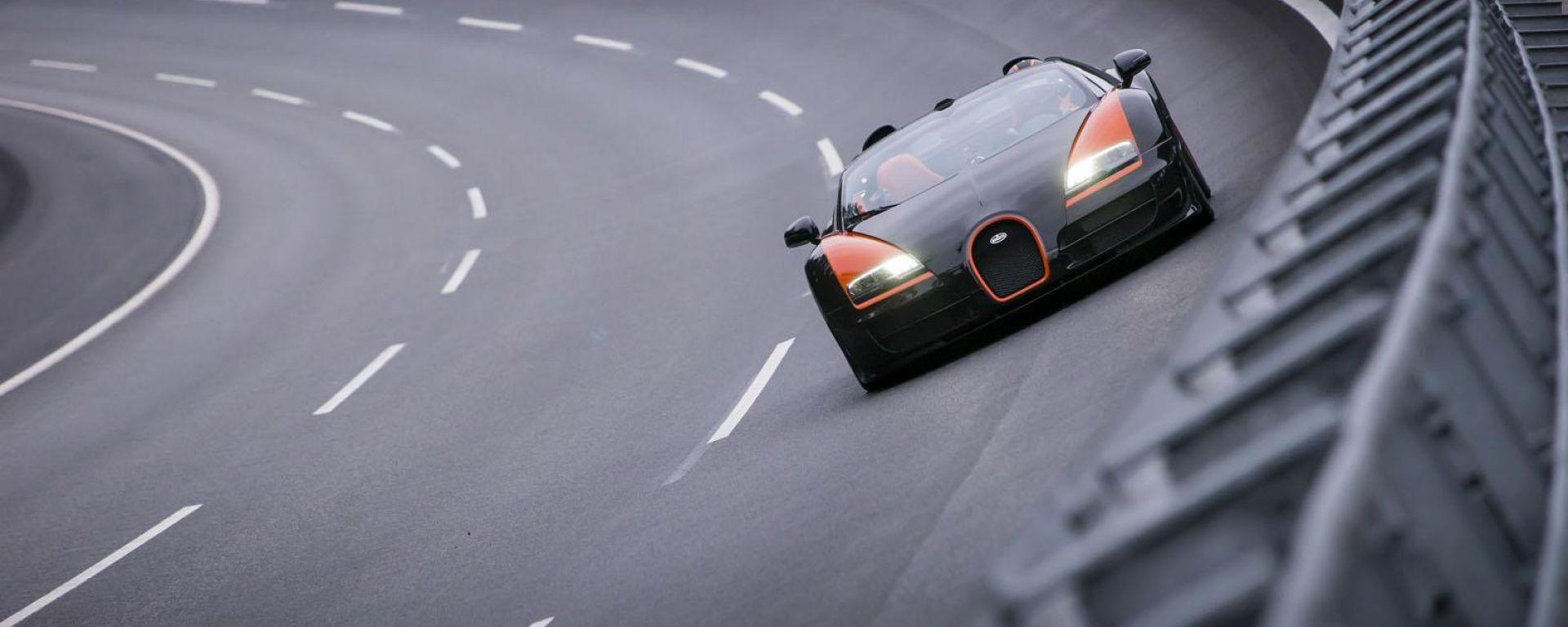 Bugatti Veyron Grand Sport Vitesse, il video del record