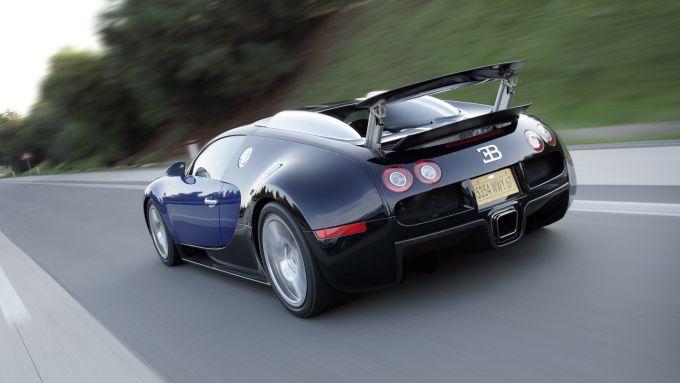 Bugatti Veyron: il posteriore