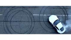 Built for Bond... Aston Martin DB10 - Immagine: 12