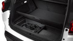 C5 Aircross Hybrid: il vano nel bagagliaio per il cavo di ricarica
