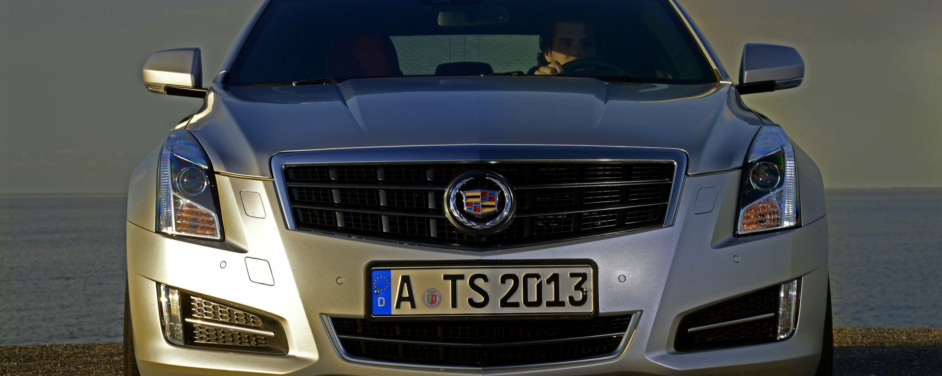 Cadillac ATS, ora anche in video