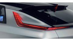 Cadillac Lyriq: la particolare forma dei gruppi ottici posteriori