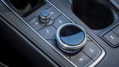 Cadillac XT4 2020, il comando rotante dell'infotainment