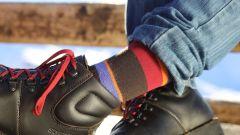 Calza termica Tucano Urbano Pippi. Pendant con i lacci delle scarpe Stylmartin Red Rock