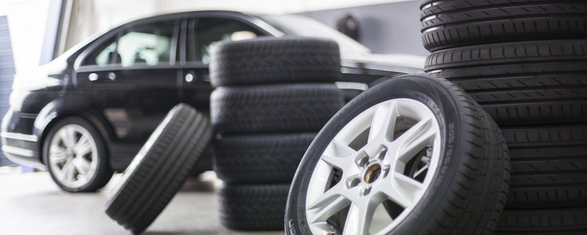 Cambio gomme: consigli per la conservazione degli pneumatici