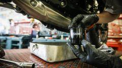Cambio olio moto, filtro olio