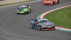 Campionato Italiano GT in pista con le GT3 e le Super GT3