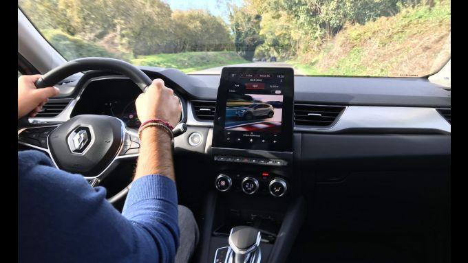 Captur E-Tech Plug-in Hybrid: dal display scelgo tutta potenza in modalità Sport