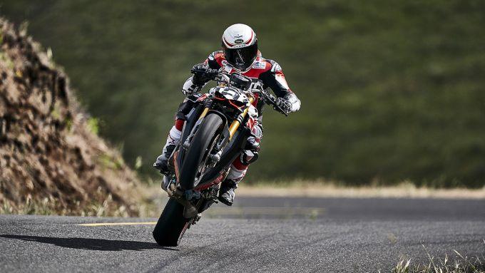 Carlin Dunne alla Pikes Peak 2019 con la Ducati Streetfighter V4
