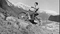 Carlo Perelli prova il primo Piaggio Ciao sulla salita del Muro di Sormano vicino ad Asso nel 1968