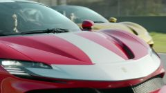 Carlos & Charles: i due piloti di Formula 1 testimonial delle Ferrari SF90 Stradale e Spider