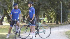 Carolina Kostner e Davide Cassani in bici