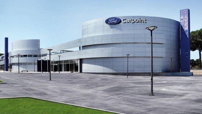 CarPoint Roma, negozi aperti ma anche consulenza da remoto