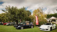 Cars and Coffee: le Porsche in bella mostra sul prato
