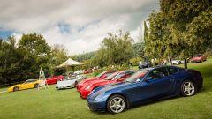 Cars and Coffee: tutte le Ferrari sono in bella mostra sul prato