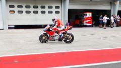 Casey Stoner prova la Ducati GP18