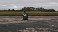 Video YouTube: la corsa a 70 km/h del cassonetto dell'immondizia