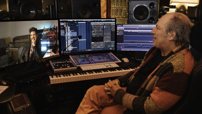 C'è Hans Zimmer, il compositore di Hollywood, dietro al sound delle BMW elettriche