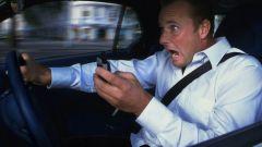 Cellulare alla guida, la piaga stradale dei giorni nostri