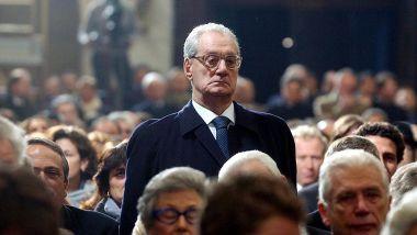 Cesare Romiti: in piedi al funerale di Gianni Agnelli (2003)