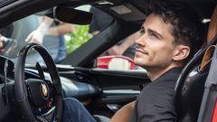 Charles Leclerc a bordo della Ferrari SF90 Stradale