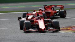 Charles Leclerc (Ferrari) in pista a precedere Vettel in Belgio