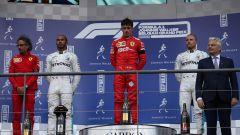 Charles Leclerc (Ferrari) sul gradino più alto del podio a Spa-Francorchamps