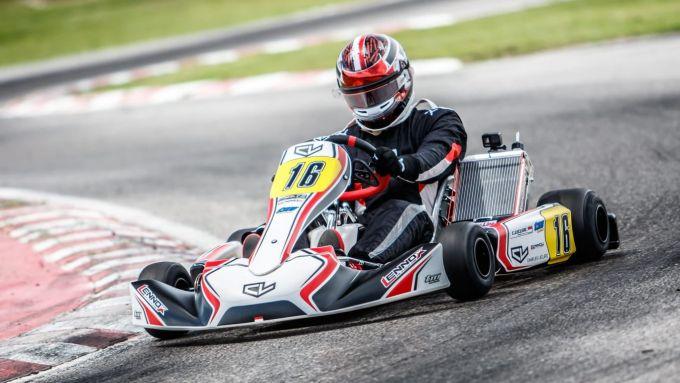 Charles Leclerc si allena al South Garda Karting di Lonato | Foto: Twitter @MorganCARON_