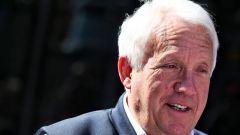 Charlie Whiting, 66 anni, nel paddock di Barcellona durante i test F1 2019