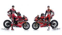 Chaz Davies e Scott Redding con la Ducati Panigale V4 R che competerà nel Mondiale SBK 2020