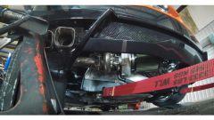 Chevrolet Corvette C8 2020: l'enorme filtro dell'aria fa capolino