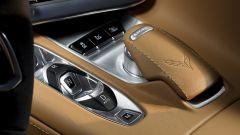 Chevrolet Corvette Stingray 2020, i comandi del cambio