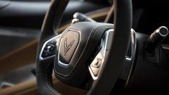 Chevrolet Corvette Stingray 2020, il volante