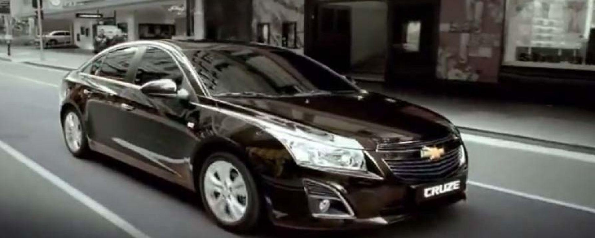 Chevrolet Cruze 2013, la prima uscita è in video