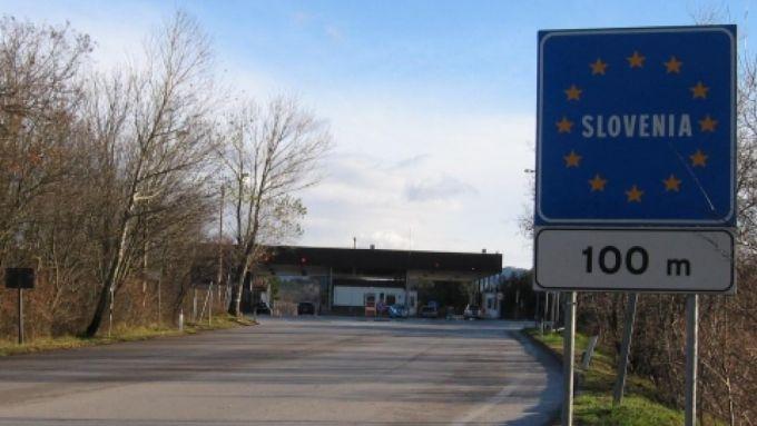 Chiusa anche la frontiera tra Italia e Slovenia