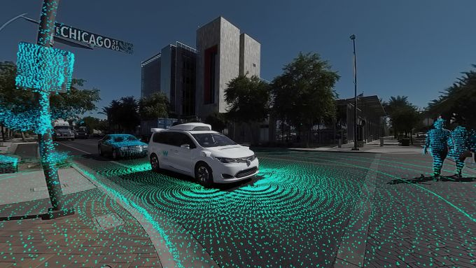 Chrysler Pacifica Hybrid, un pioniere della guida autonoma