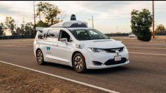 Fiat Chrysler, accordo con Google per fornitura taxi a guida autonoma