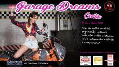 Ciapa la Moto Garage Dreams: una delle ragazze del sexy bike wash