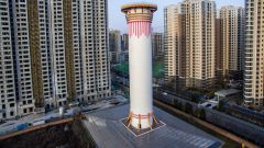 Cina: niente blocchi del traffico. Una torre per purificare l'aria
