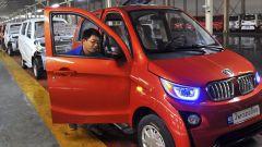 Cina, è stretta sulle auto elettriche. Nel mirino Tesla e NIO