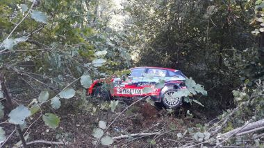 CIR 2021, Rally Due Valli: la Hyundai di Crugnola dopo l'uscita di strada