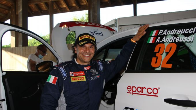 CIR, Rally Il Ciocco 2020: Paolo Andreucci (Peugeot 208 Rally 4 R2B) sorridente prima del via