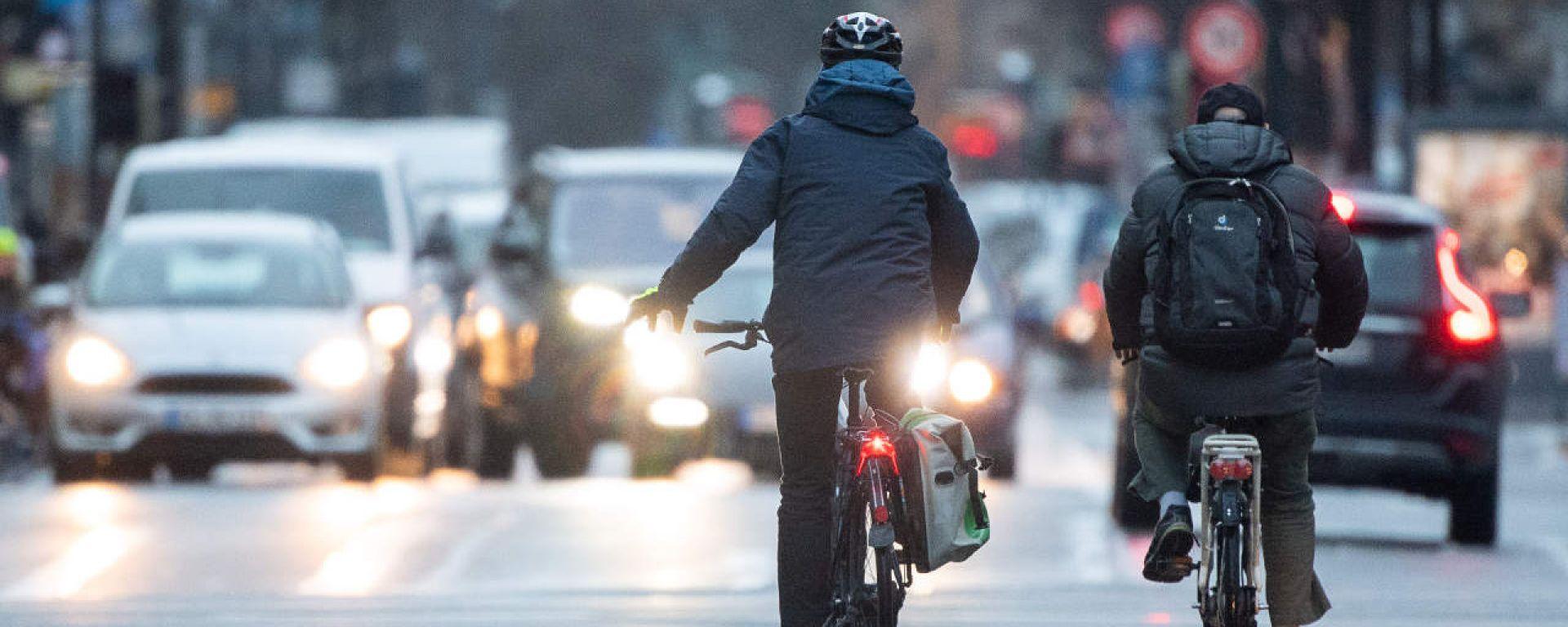 Circolazione delle biciclette contromano: quando si può?