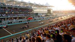 Circuito di Yas Marina - la partenza con il sole