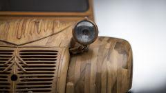 Citroën 2CV di legno by Michel Robillard: dettaglio del frontale
