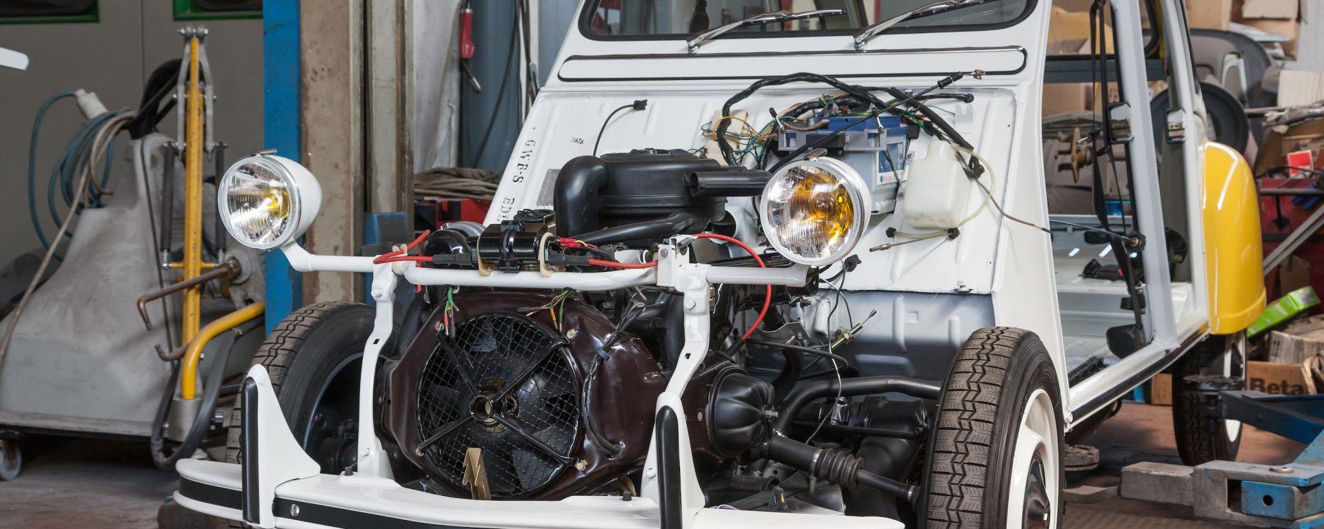 Citroën 2CV Soleil: cronaca di un restauro