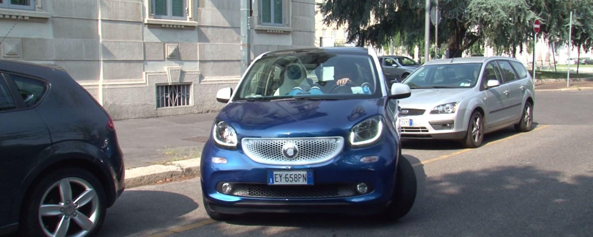 Citroën C1 vs Fiat Panda vs Smart forfour: facilità di parcheggio