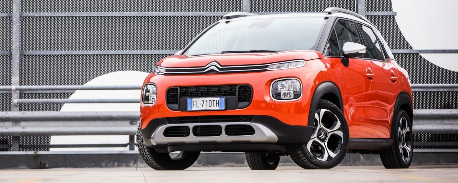 citroen c3 aircross prezzo dimensioni tutto sul suv compatto francese motorbox. Black Bedroom Furniture Sets. Home Design Ideas