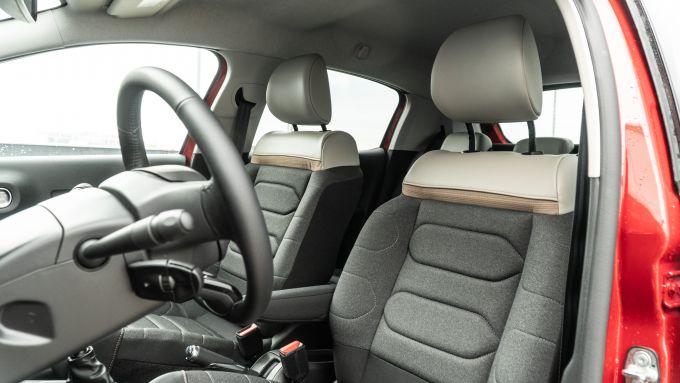 Citroen C3 PureTech 110 S&S 2021, interni: l'abitacolo e i sedili Advanced Comfort